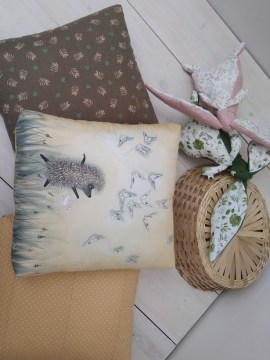 pillows_hedgehog_batik_art_handmade_interior_design